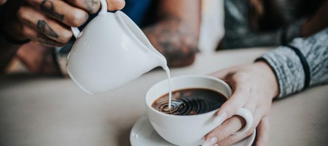 Pokojne si mlieko do kávy pridávajte aj naďalej